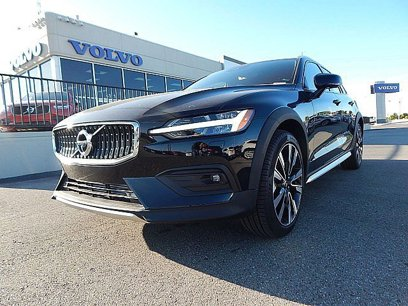 New 2020 Volvo V60 T5 Cross Country Momentum AWD - 530655962