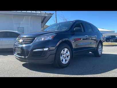 Used 2016 Chevrolet Traverse FWD LS - 542513349