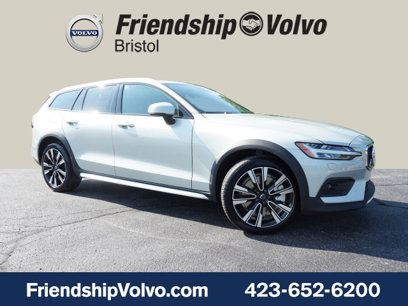 New 2020 Volvo V60 T5 Cross Country Momentum AWD - 522747547