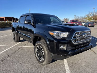 Used 2017 Toyota Tacoma TRD Sport - 567695489