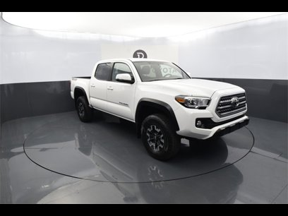 Certified 2017 Toyota Tacoma TRD Off-Road - 548718372