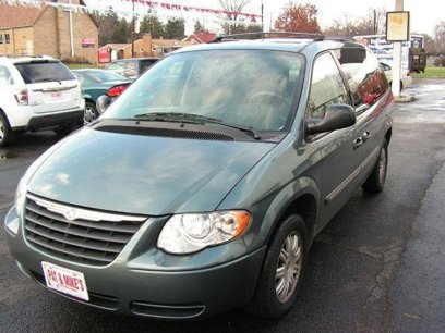 bf95994169 Used 2007 Chrysler Town   Country Touring