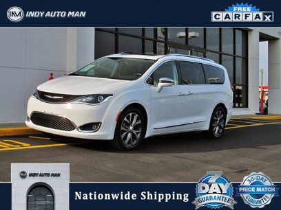 Used 2018 Chrysler Pacifica Limited w/ Tire & Wheel Group - 561252956