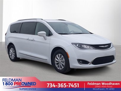 Used 2019 Chrysler Pacifica Touring-L - 537878223