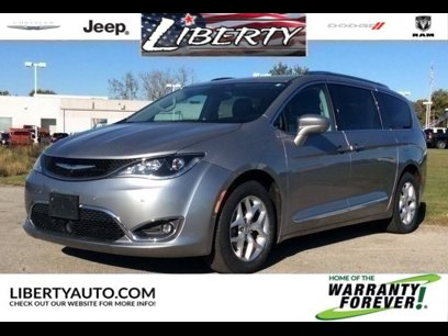 Certified 2017 Chrysler Pacifica Touring-L Plus - 530493979