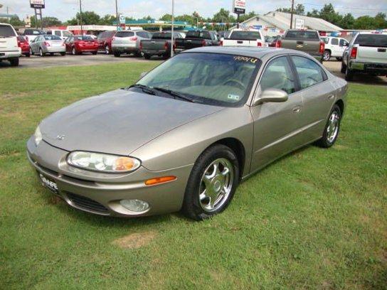 Used 2003 Oldsmobile Aurora in Hallettsville, TX - 449701444 - 1