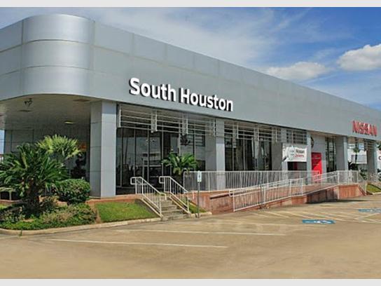 Nissan Dealership Houston >> South Houston Nissan Houston Tx 77034 Car Dealership And Auto