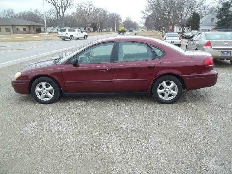 Used 2004 Ford Taurus in Onawa, IA - 368481117 - 1