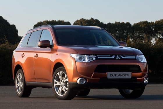 2013 Mitsubishi Outlander Preview: Geneva Auto Show featured image large thumb0