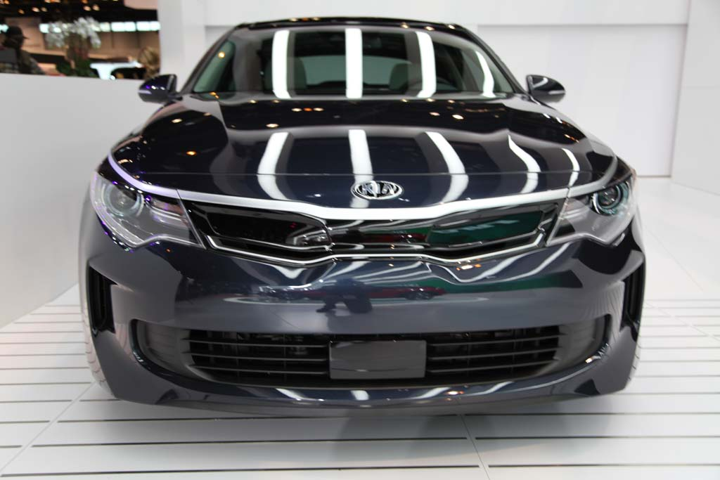 2017 Kia Optima Hybrid and Plug-In Hybrid: Chicago Auto Show