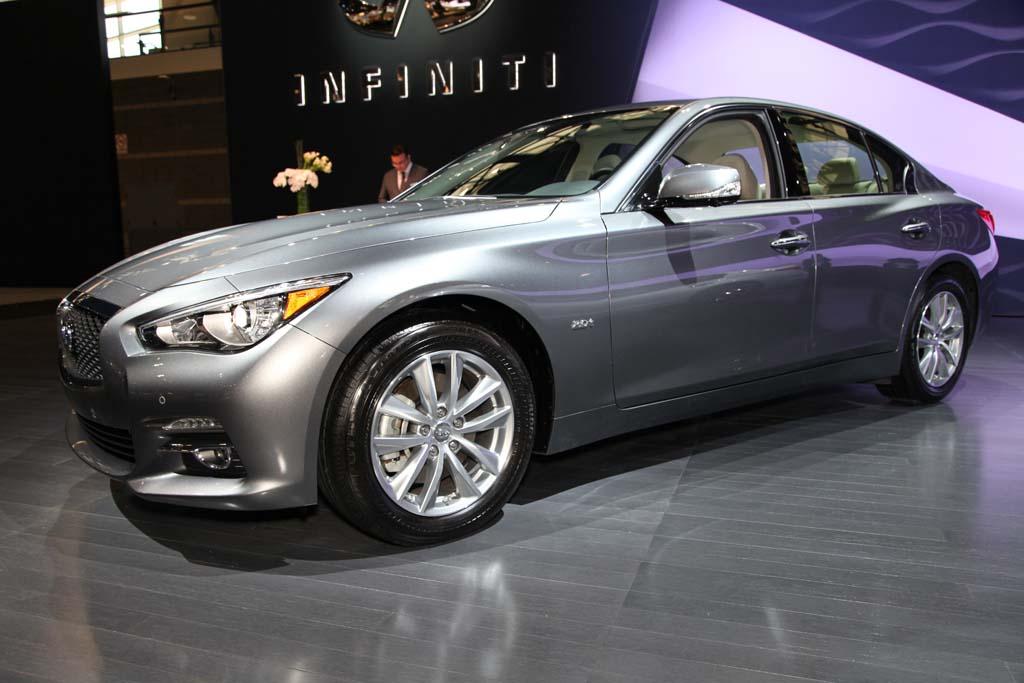 Infiniti Q50: Chicago Auto Show