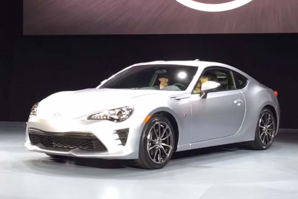 2017 Toyota 86: New York Auto Show - Video