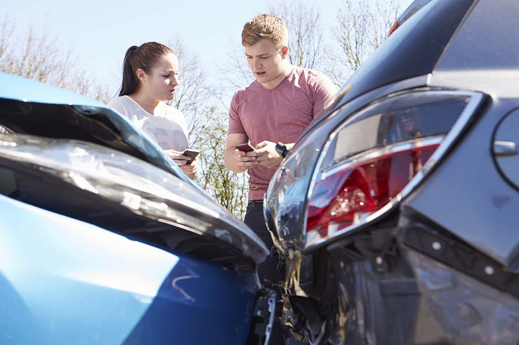 5 Mistakes After a Car Crash That Can Cost You Big