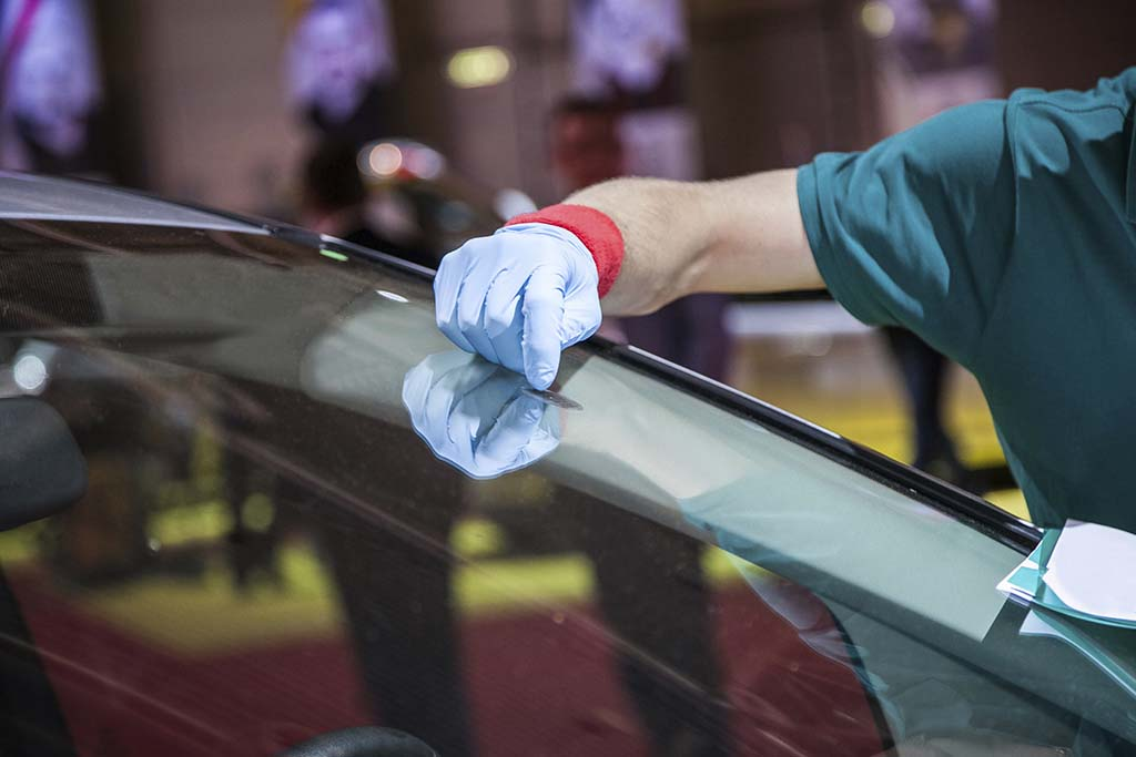 Fixing Your Windshield: Should You Repair Or Replace It?
