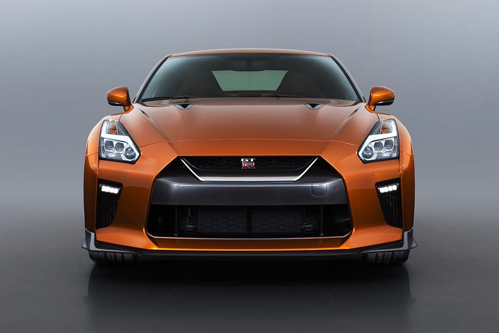 The Pros and Cons of the Nissan GT-R