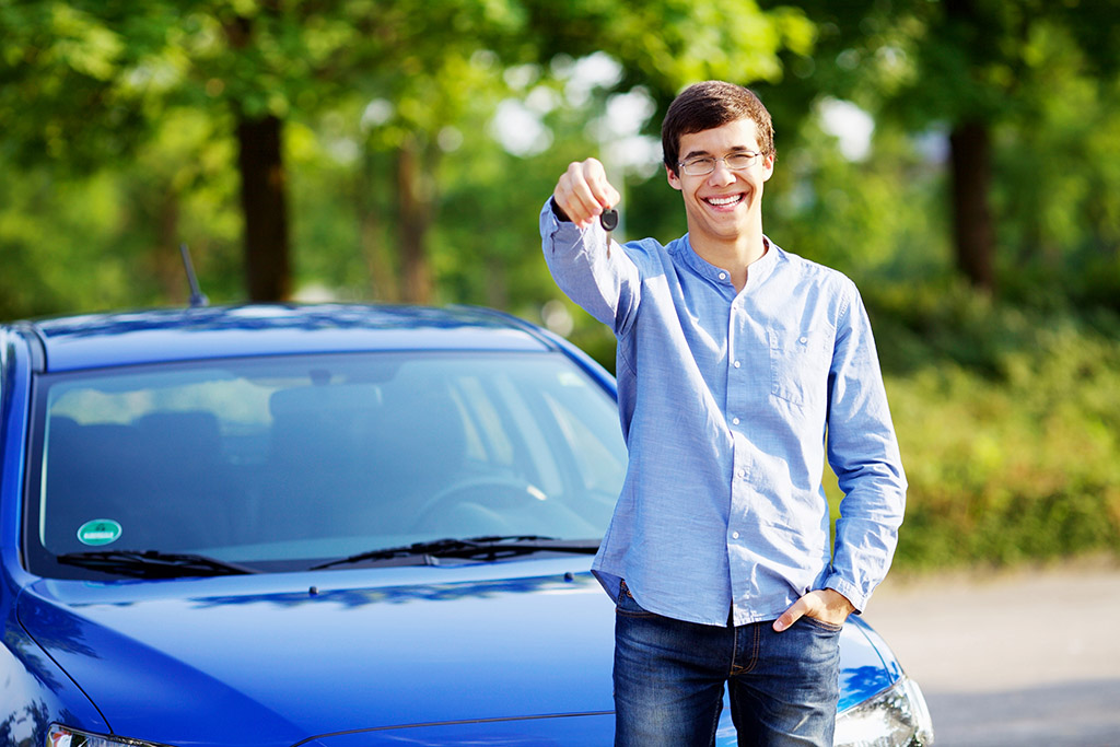 Buying a Car as a Recent College Grad: 5 Tips