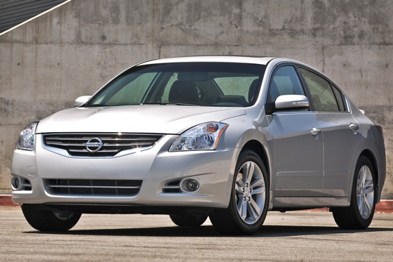 Nissan Updates Altima and Maxima for 2012