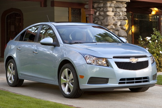 Chevrolet Enhances Cruze for 2012 featured image large thumb0