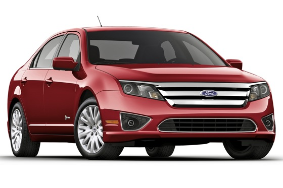Ford Fusion Hybrid Ranks High in Quality and Dependability