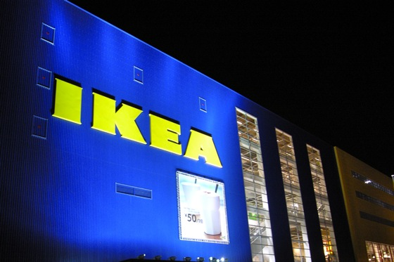 IKEA, Walgreens to Add EV Chargers