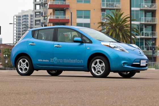 Nissan Seeks Leaf Wave on Facebook