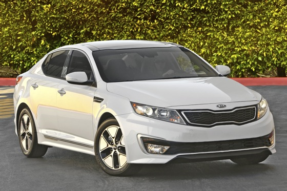 Kia Optima Hybrid Sets World Record for Fuel Efficiency