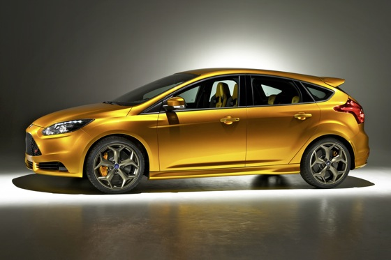 Ford Updates Focus ST Fans on Facebook