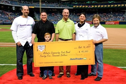 Atlanta Braves Hit a Home Run Against Hunger featured image large thumb0