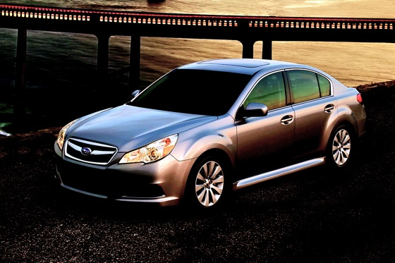 Subaru Recalls 2011 Outback, Legacy Over Moonroof Issue