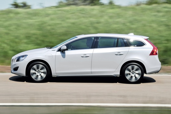 Volvo Announces V60 Plug-In Hybrid Wagon featured image large thumb0