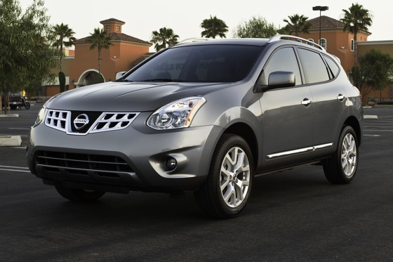 Nissan Adds Around View Monitor to 2012 Rogue featured image large thumb0
