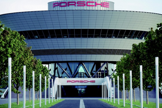 Porsche Invites US Buyers to Take Delivery at German Factories featured image large thumb0