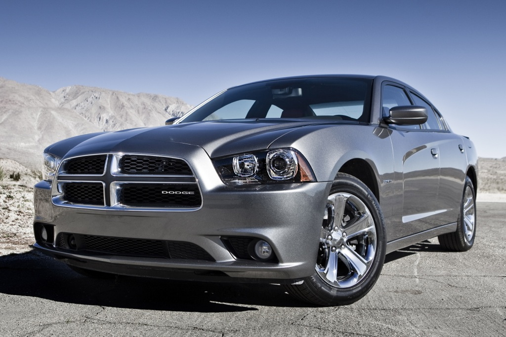Chrysler Recalling 120,000 Large Sedans