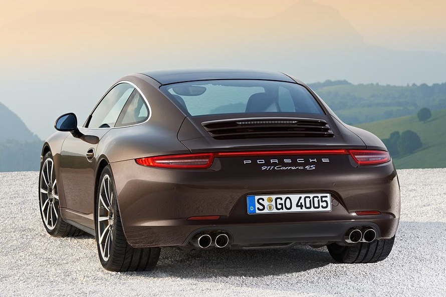 2013 Porsche 911 Arrives as AWD Carrera 4