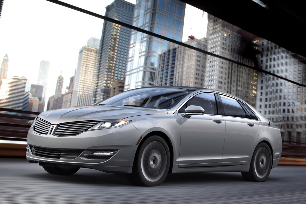 2013 Lincoln MKZ Hybrid EPA Rated at 45 MPG