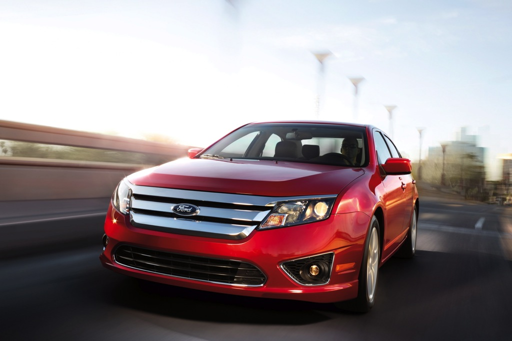 Ford Fusion Hybrid Safety Ratings Bolstered by Real-World Results