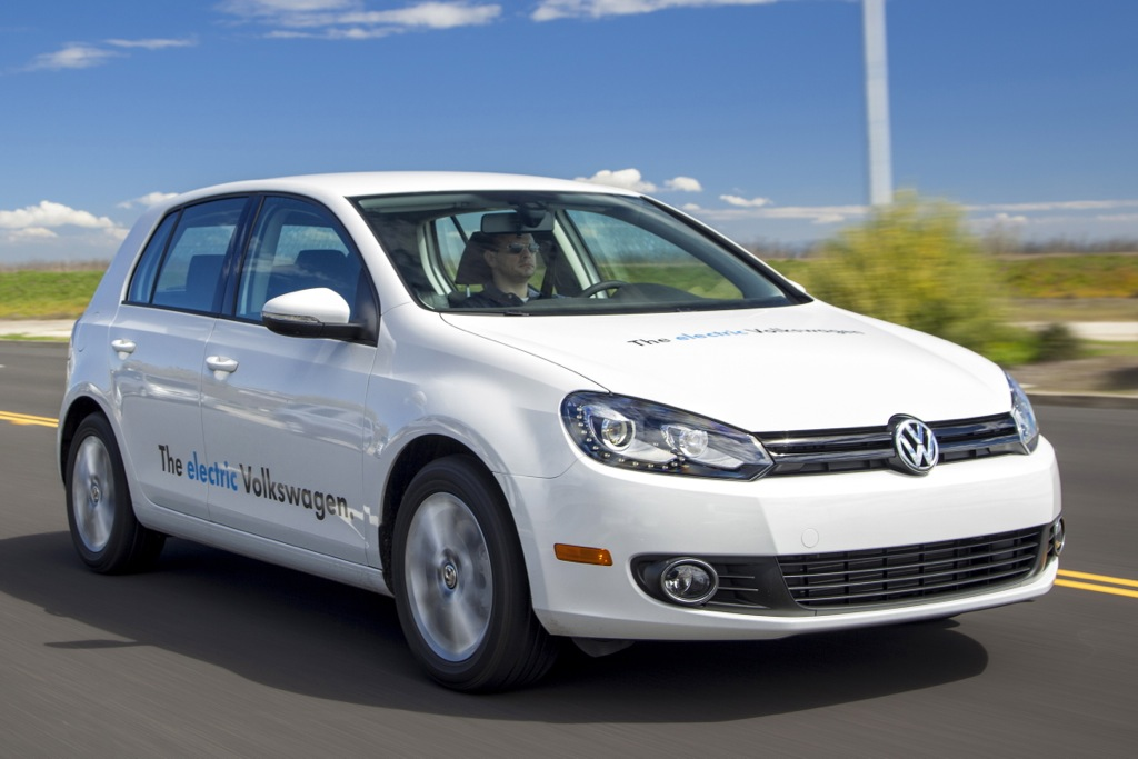 VW Golf Electric to Arrive Next Year