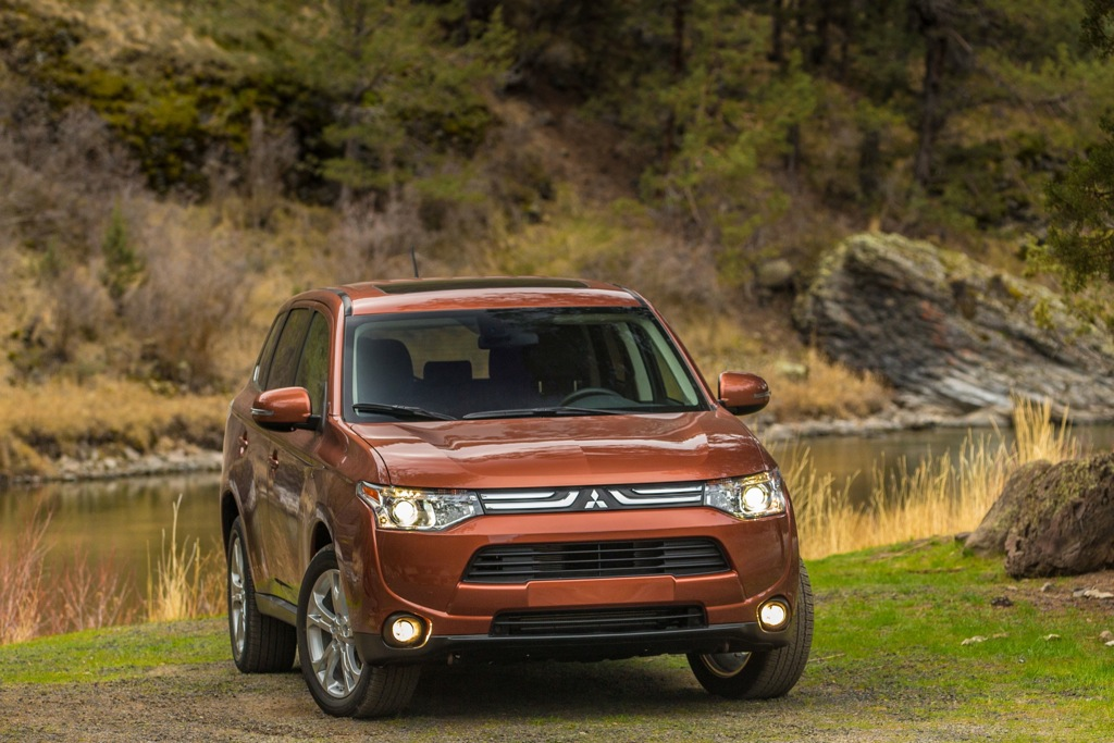 2014 Mitsubishi Outlander Pricing Announced