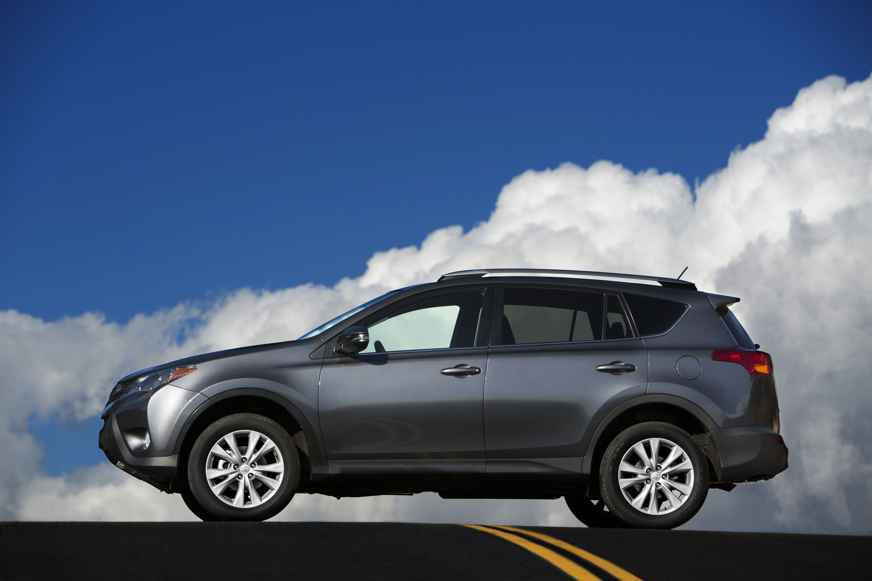 2013 Toyota RAV4 Named Top Safety Pick