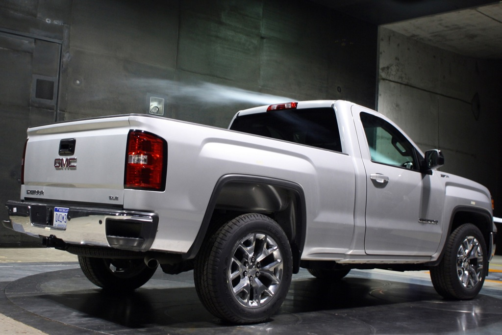 2014 GMC Sierra Regular Cab Unveiled