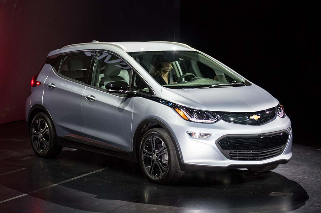 Chevrolet Bolt Revealed at the Consumer Electronics Show