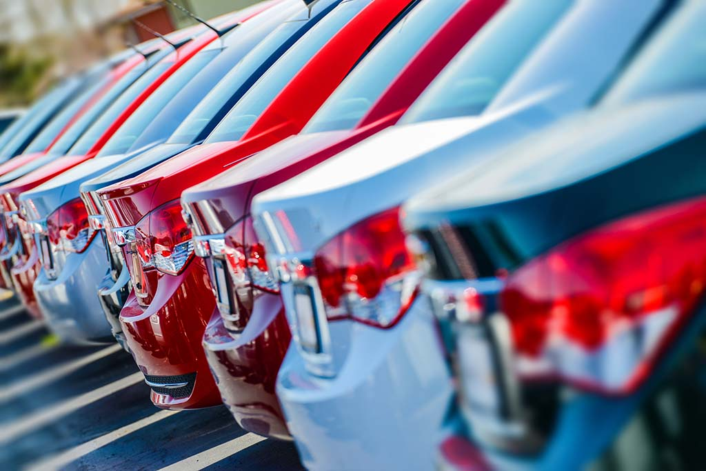 May Car Sales Drop, Automakers Sweeten Incentives