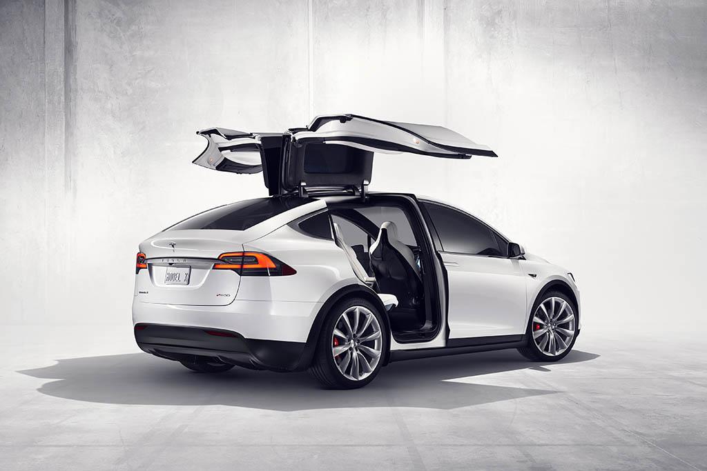 Tesla Model X Vanpools to Debut in Los Angeles