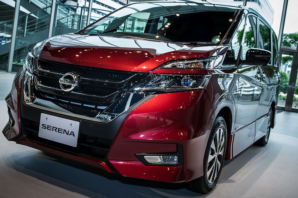 Nissan Self-Driving Car Introduced in Japan
