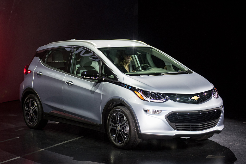 2017 Chevrolet Bolt EV to Enter Production in October