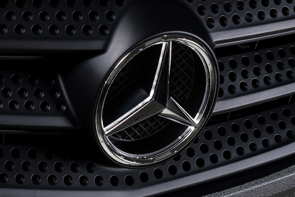 Mercedes-Benz Teams Up With Uber