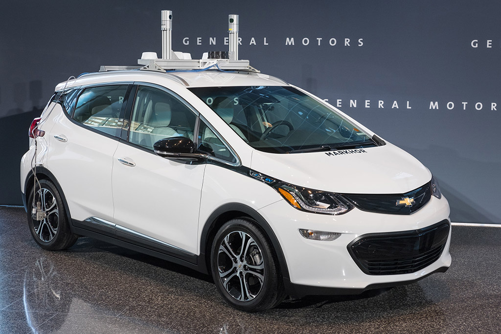 Self-Driving Chevy Bolt Tests to Begin in 2019