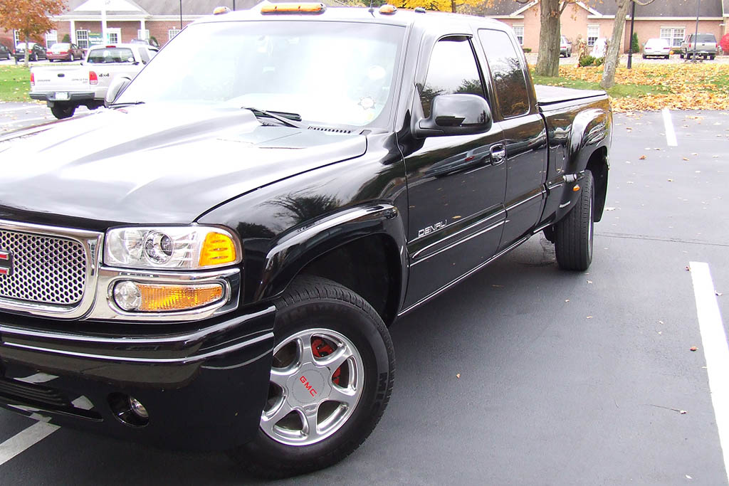GMC Pickups Used to Have 4-Wheel Steering, and It Was Awesome