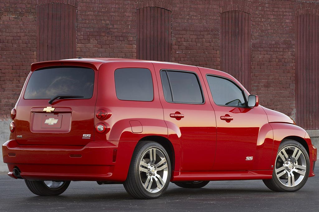 The Chevy HHR SS Was a Cool (and Forgotten) Hot Hatchback