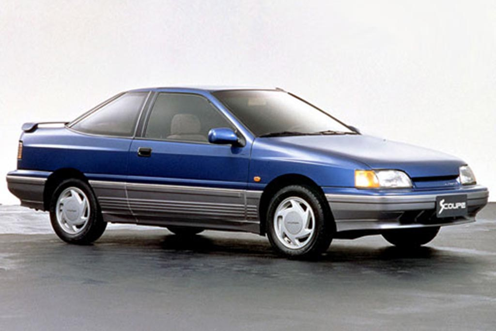 The Hyundai Scoupe Was Hyundai's First Attempt at a Sporty Car